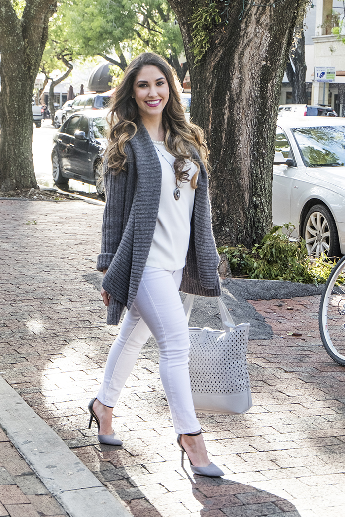 Chunky Grey sweater and white jeans